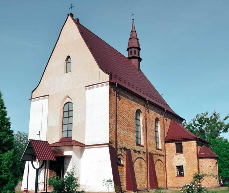 У Ківерцях розпочали розгляд  плану ділянки для реконструкції господарської будівлі костелу