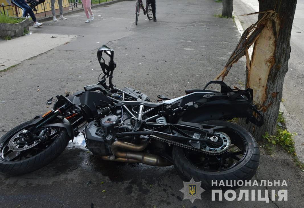 У Ковелі легковик зіткнувся з мотоциклом, водій двоколісного у лікарні