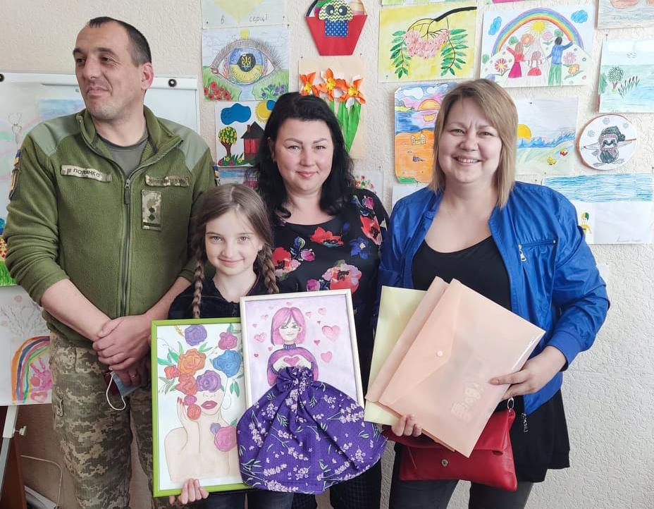 У Нововолинському міському центрі соціальних служб привітали дітей зі святом