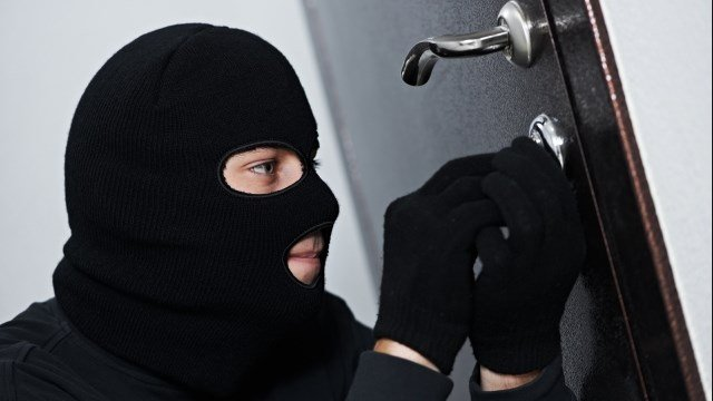 Як вберегти оселю від крадіїв у період відпусток: поради поліції Волині