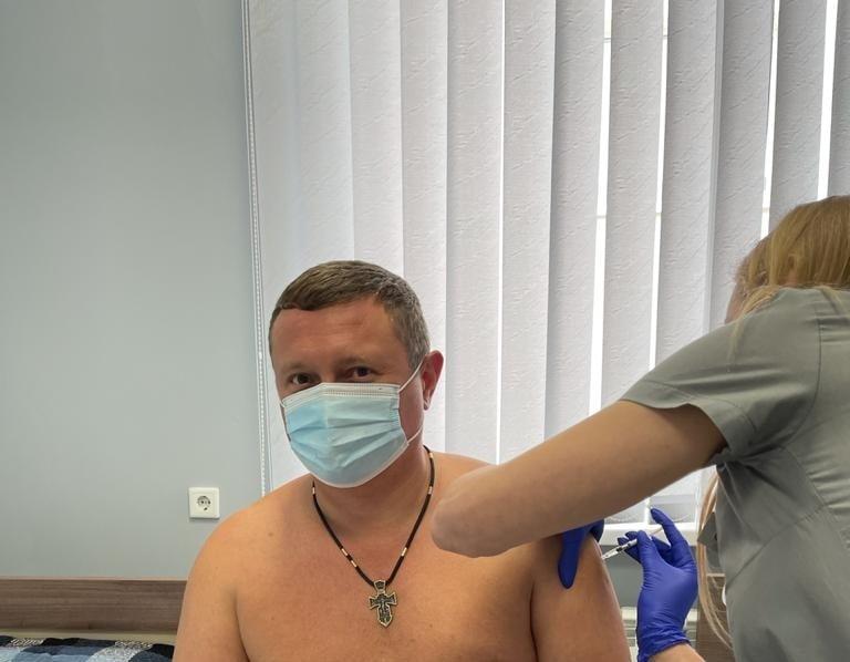Голова Волинської ОДА вакцинувався від COVID-19