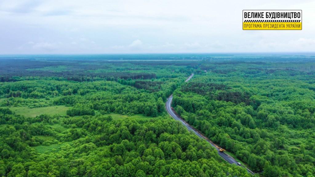 На Волині відновлюють автошлях до Шацьких озер