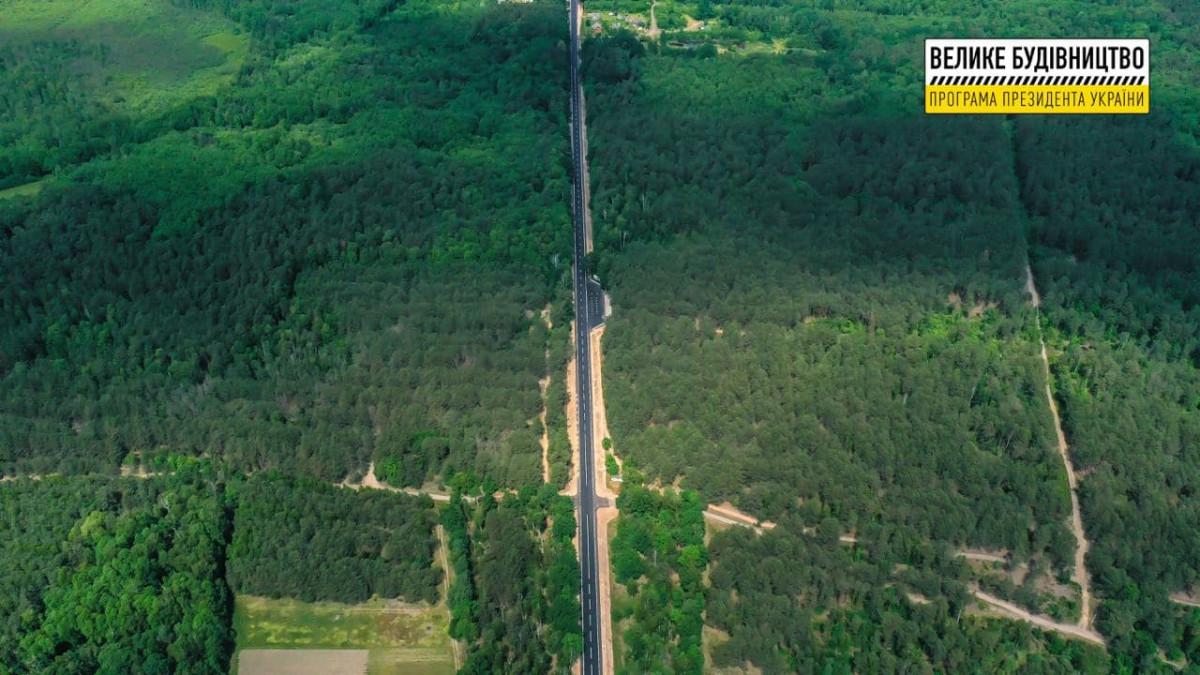 Капітально відремонтували 26 кілометрів дороги до Шацьких озер