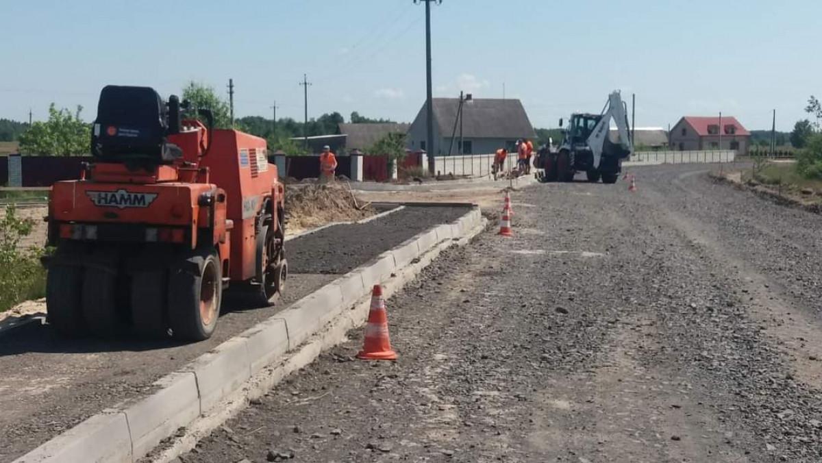 На дорозі від Каменя-Каширського до Рудки Червинської тривають ремонтні роботи