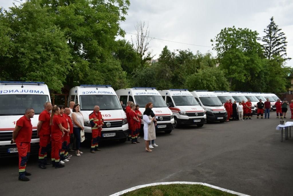 Волинські медзаклади отримали чергову партію «швидких»