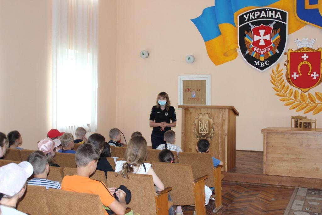 Ковельські школярі завітали на екскурсію до поліцейських