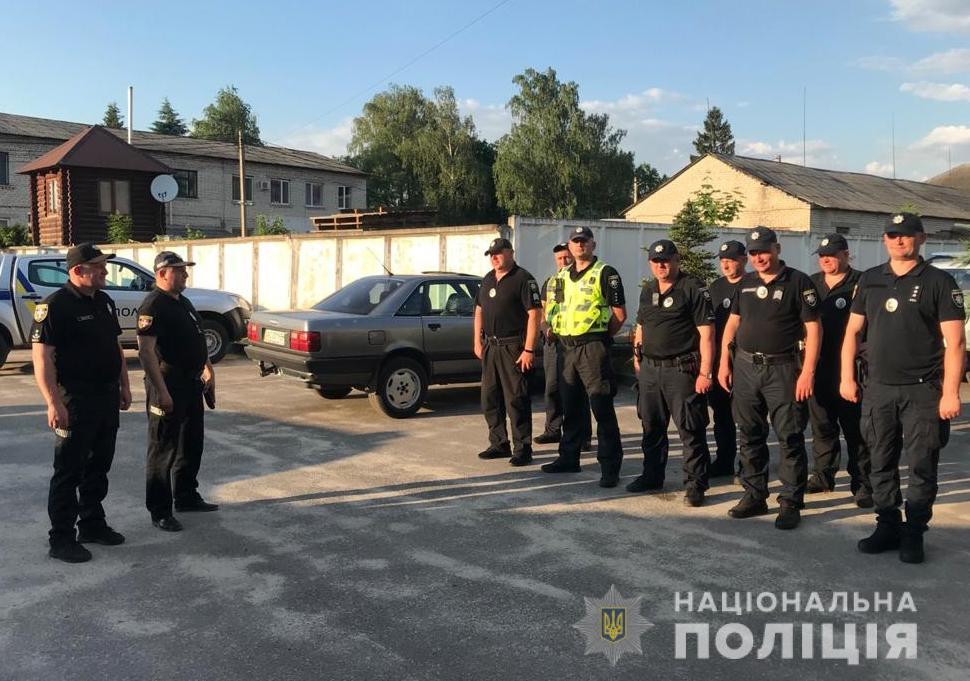 Поліцейські посилено патрулюють територію поблизу Світязя