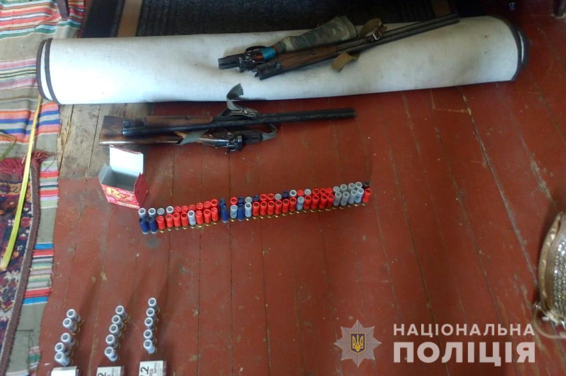 Поліція вилучила у волинянина зброю, боєприпаси та наркотики