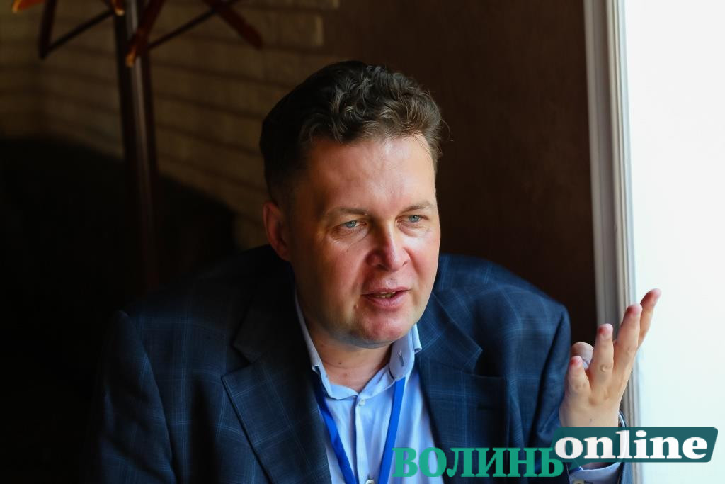 «За нашу і вашу безпеку»: Євген Магда про відносини України та Вишеградської четвірки в умовах російських гібридних загроз