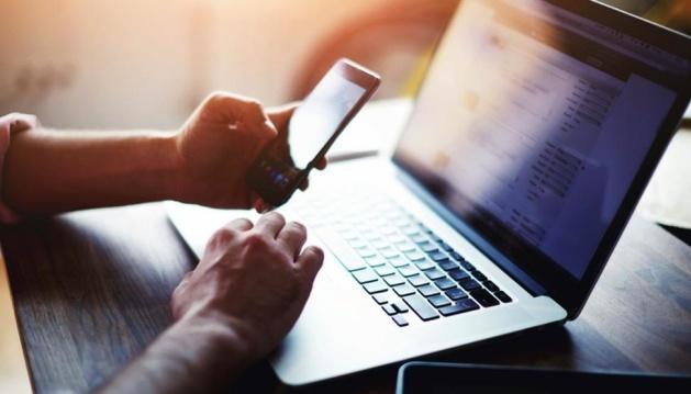 В Україні сьогодні набуває чинності закон про електронні трудові книжки