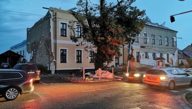 Чехія потерпає від негоди – штормовий вітер, зливи, річки вийшли з берегів
