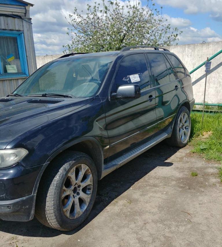 Волинська митниця з аукціону продає автомобіль BMW X5