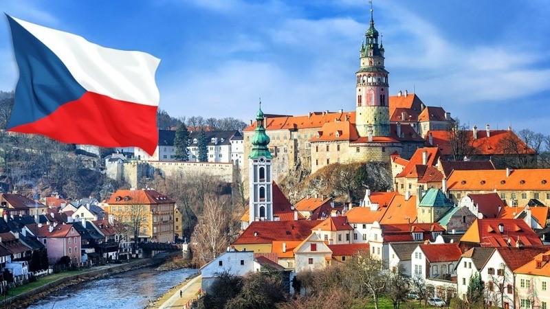 Чехія з липня дозволить культурні події за участі до 5000 осіб
