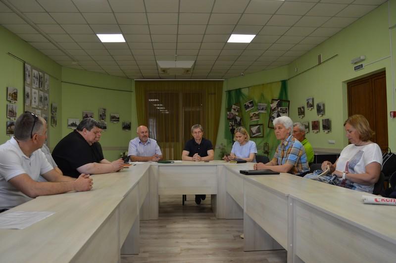 Керівникам закладів спорту та тренерам з Ковеля представили нового заступника начальника профільного управління
