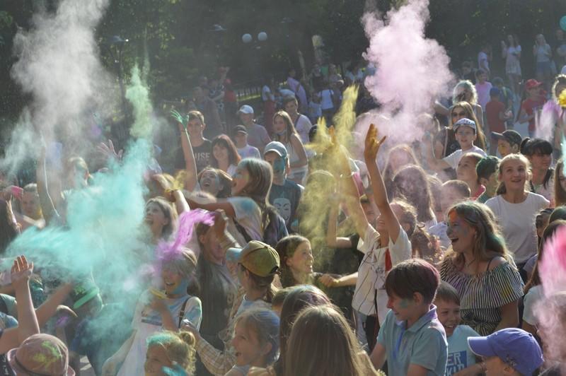 Фестиваль фарб: свято молоді у Ковелі стало найяскравішим днем року