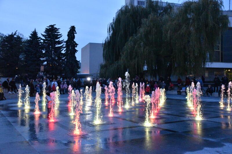 Світломузичний фонтан у Луцьку працюватиме і у будні