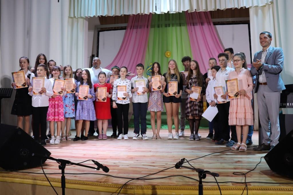 У Володимирі-Волинському нагородили талановитих дітей