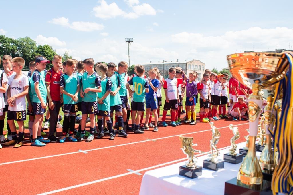 У Нововолинську гравці місцевого клубу вибороли перемогу у турнірі з футболу серед юнаків