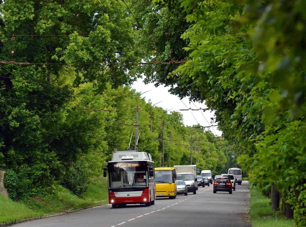 У Луцьку змінили напрямок руху тролейбусів через пошкодження мережі