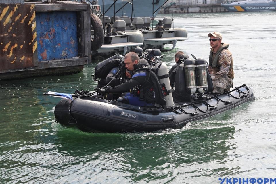 На «Sea Breeze» відпрацювали тактику розмінування судна і звільнення заручників
