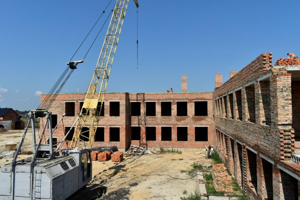 У селі на Волині триває будівництво школи за 130 мільйонів гривень