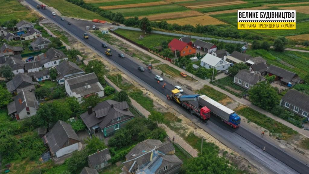 На Волині триває відновлення автошляху М-19
