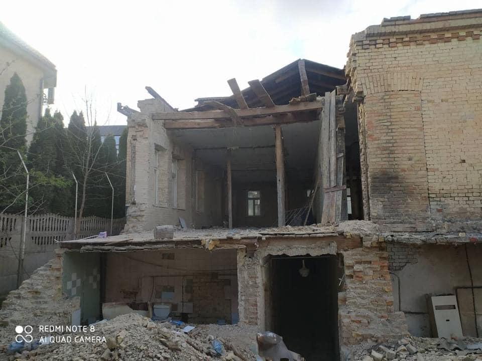 У центрі Луцька знищують історичну будівлю