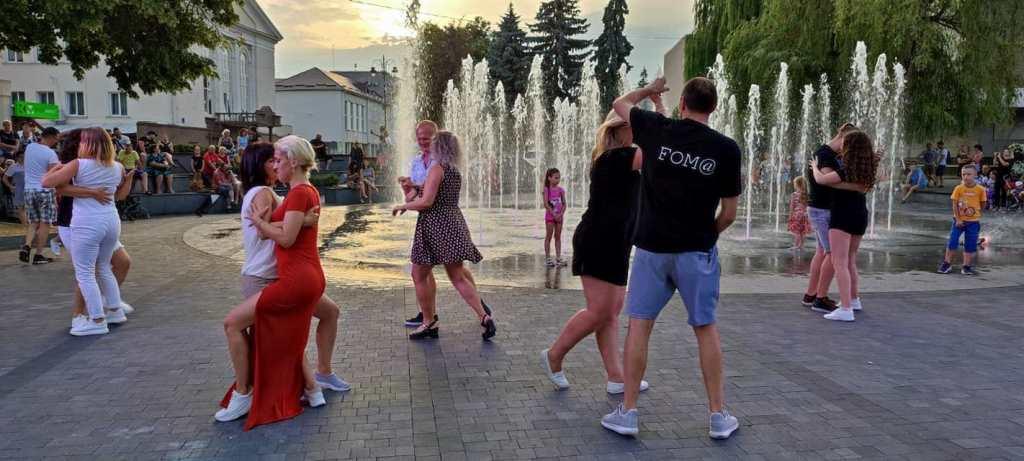 У центрі Луцька організували майстер-класи із танцю