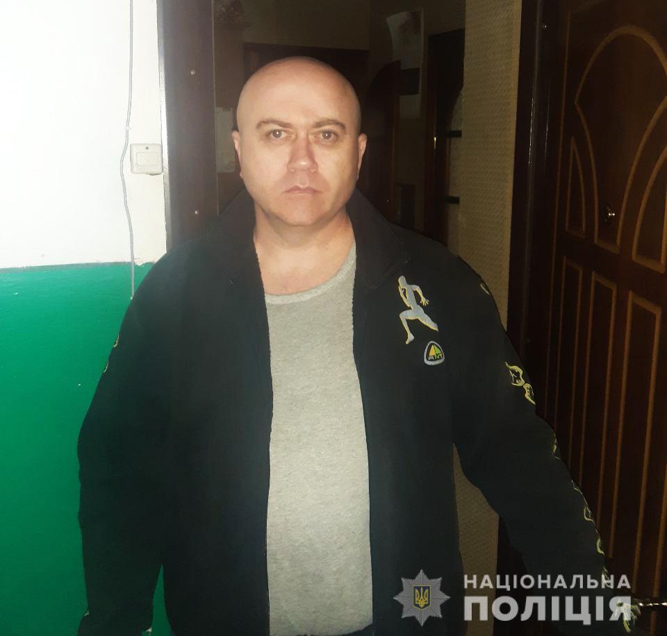 Поліція на Волині  розшукує чоловіка, який вчинив розбій