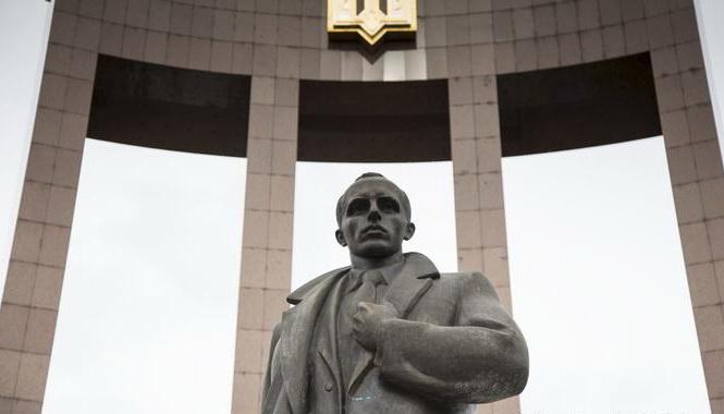 Пам'ятник Степану Бандері планують встановити у центрі Луцька