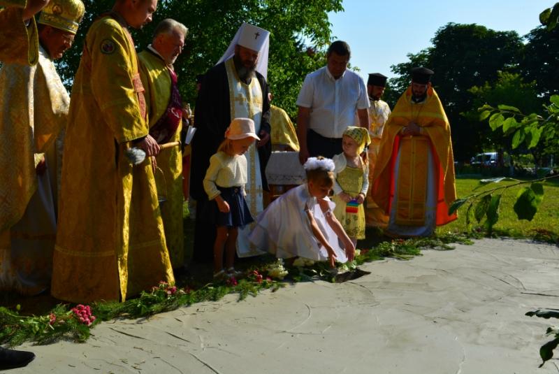 У Рожищенській громаді заклали капсулу під будівництво дзвіниці