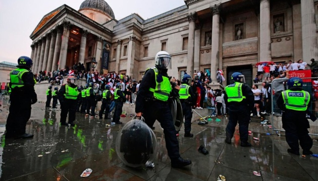 Фінал Євро-2020: в Лондоні у сутичках з фанатами постраждали 19 поліцейських