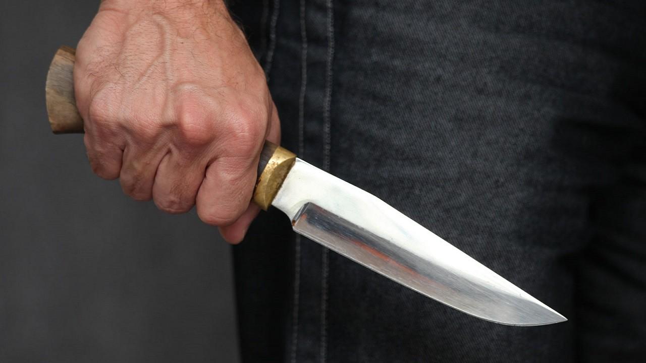 У центрі Луцька ножем поранили чоловіка