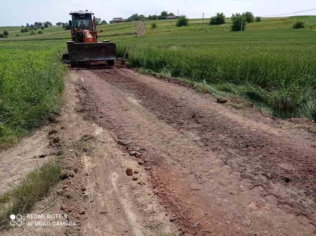 У Володимир-Волинській громаді прогрейдерували проблемну вулицю