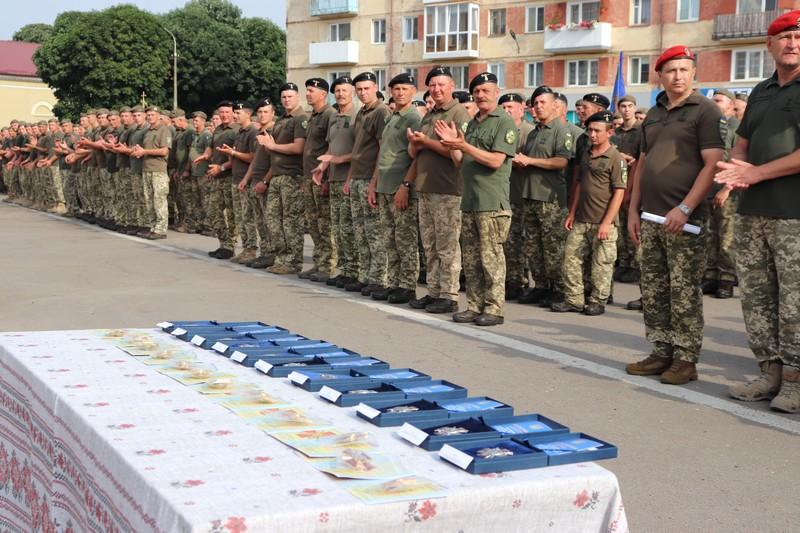 У центрі Володимира-Волинського урочисто зустріли бійців 14-ї ОМБ