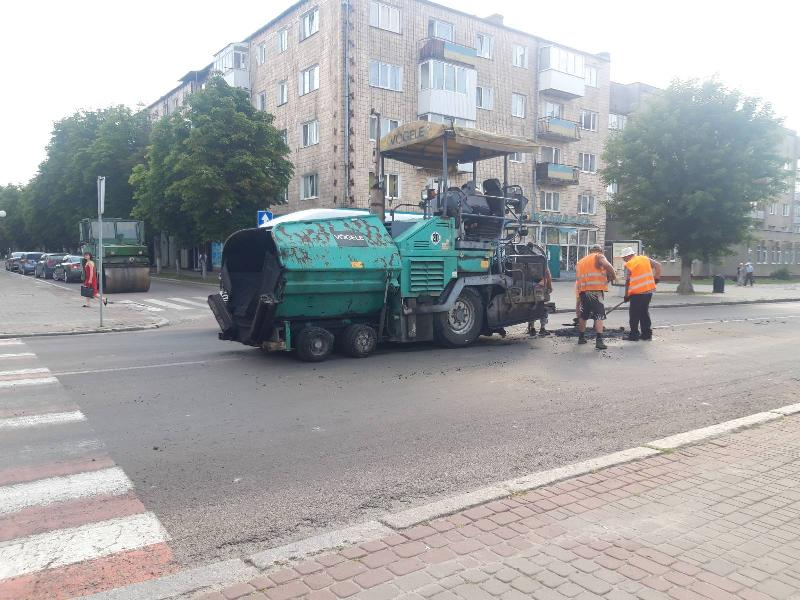 У Ковелі триває поточний ремонт доріг