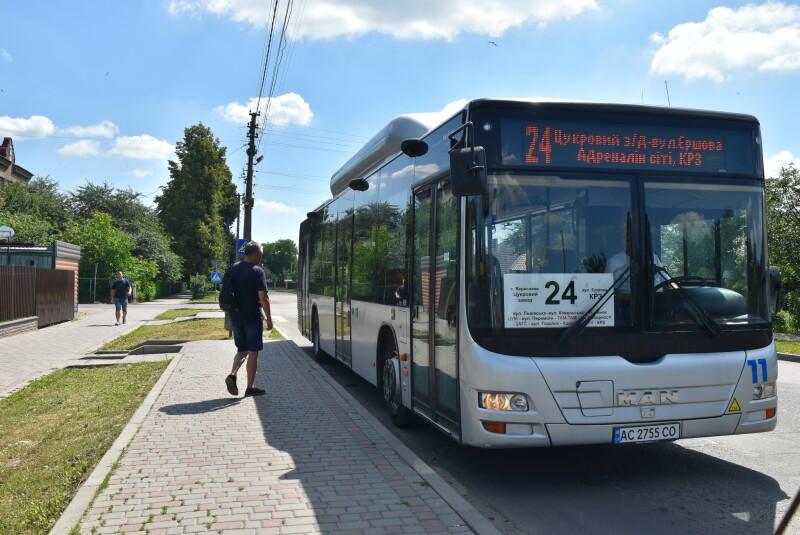 На один із маршрутів у Луцьку виїхали п'ять екологічних автобусів MAN А21