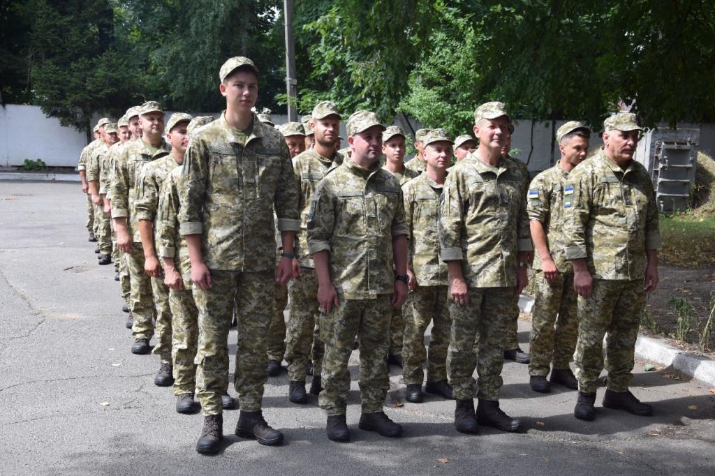 Півсотні резервістів з Волині відправилися на зборову підготовку на Черкащину