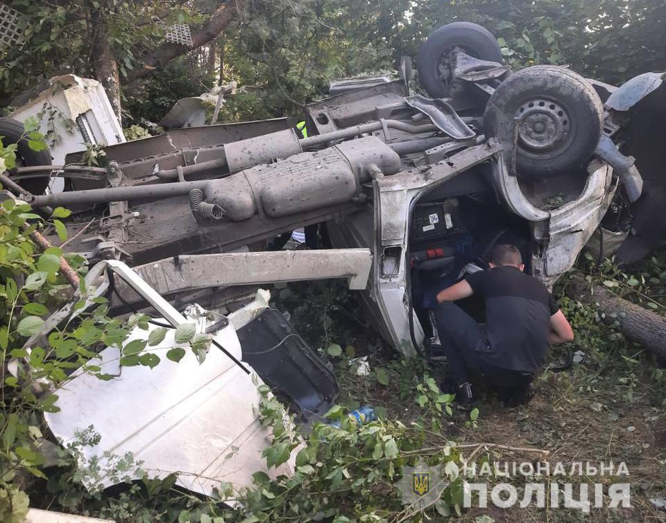 На Волині із понівеченої у ДТП автівки рятувальники деблокували одного потерпілого