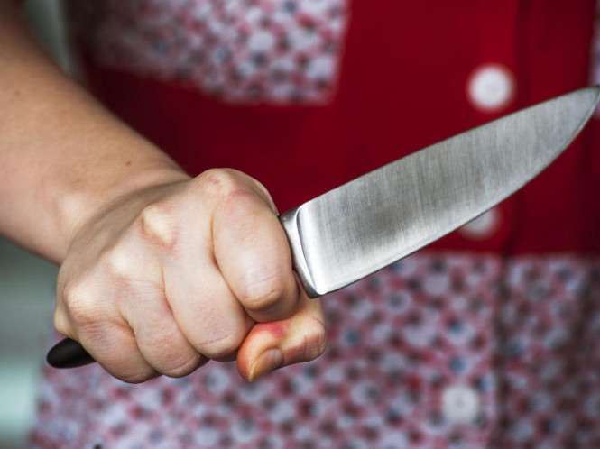 Волинянці, яка мало не вбила сусіда, повідомили про підозру