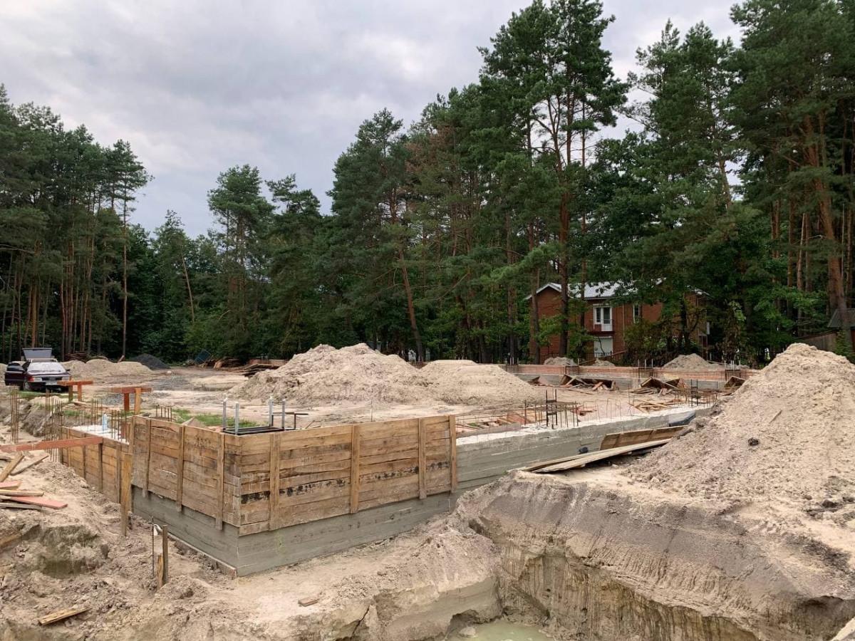 У селі Світязь триває будівництво спорткомплексу