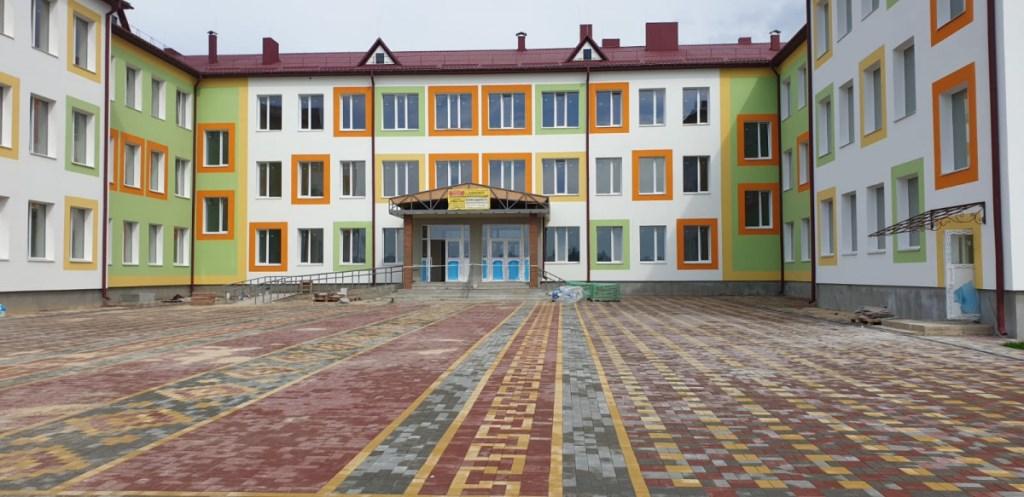 Заступник Погуляйка проінспектував будівництво школи у Башликах