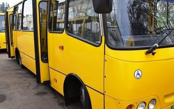 У громадському транспорті Луцька пропонують озвучувати зупинки англійською