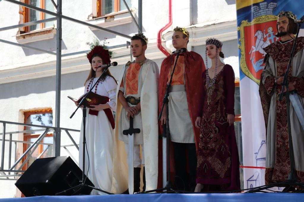 Відкриття «Володимирського узвозу» та премії для Почесних громадян: як відзначили день Володимира-Волинського
