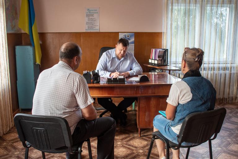 Асфальтування вулиць та закриття відділення банку: мер Нововолинська провів прийом громадян у селищі та селах громади