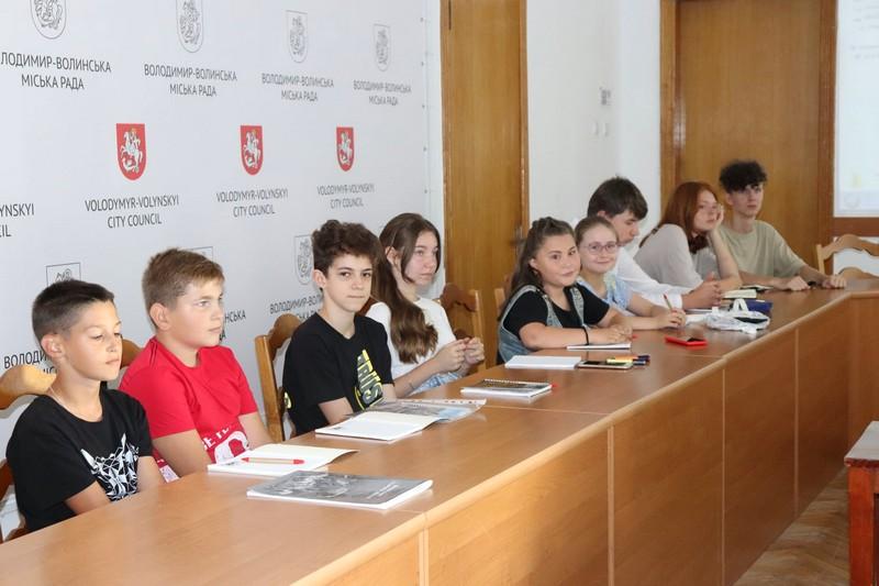 У Володимирі-Волинському організували «Школу маленького гіда»