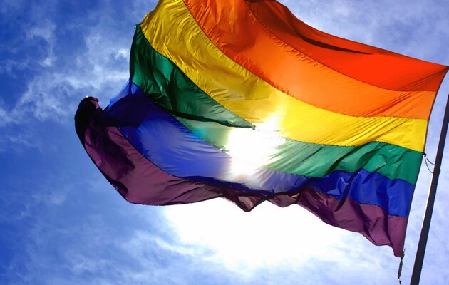 Угорщина обмежила продаж дитячих книг на тему ЛГБТ