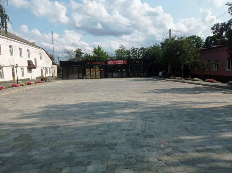 У центрі Любешова завершили ремонт автостоянки