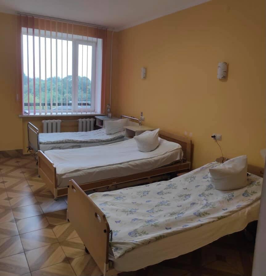 Нововолинська лікарня поповнилася новими ліжками та обладнанням