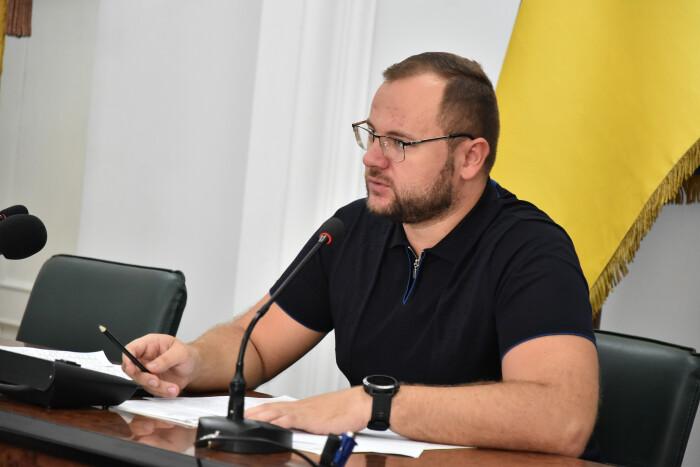 У Луцькраді хочуть перевірити Гнідавський цукровий завод через скарги на чорний дим